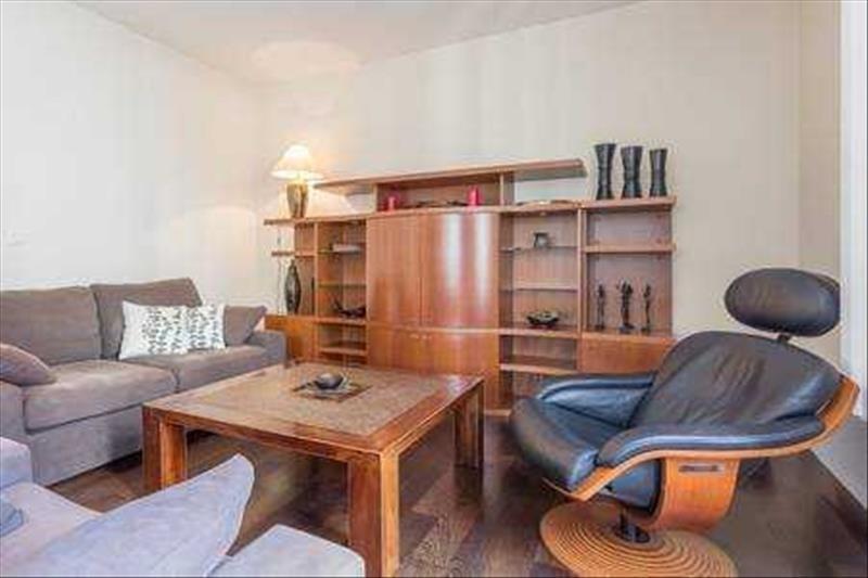Locação apartamento Paris 15ème 1590€ CC - Fotografia 3
