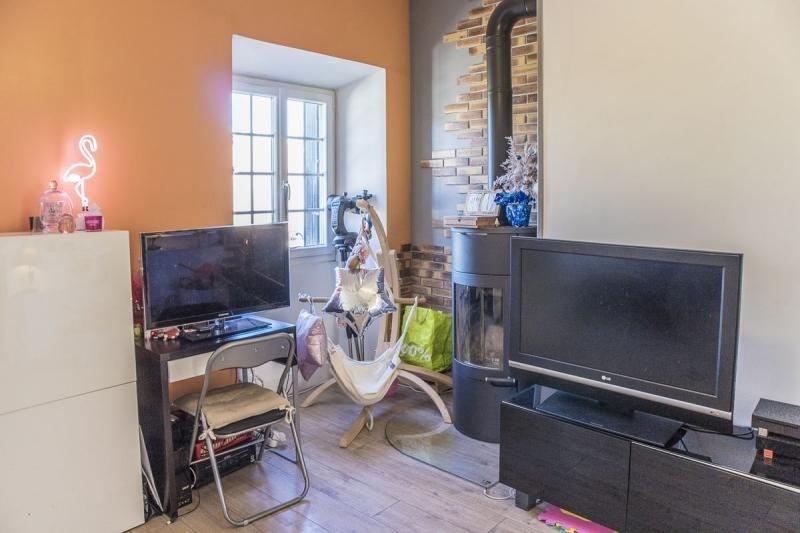 Sale house / villa Montfort l amaury 220000€ - Picture 3