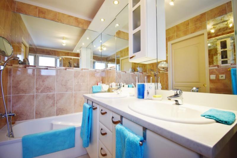 Deluxe sale house / villa Seynod 720000€ - Picture 12