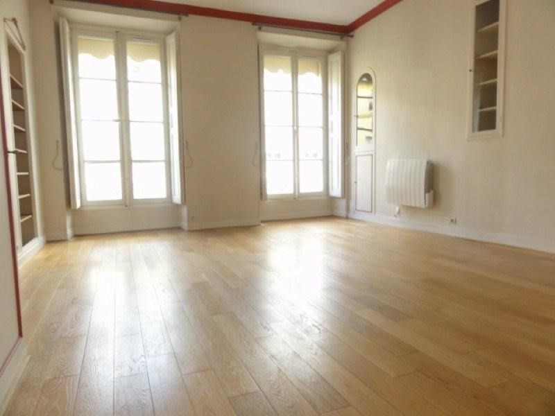 Rental apartment Versailles 995€ CC - Picture 1