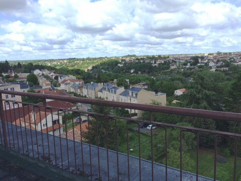 Sale apartment Poitiers 107 000€ - Picture 1