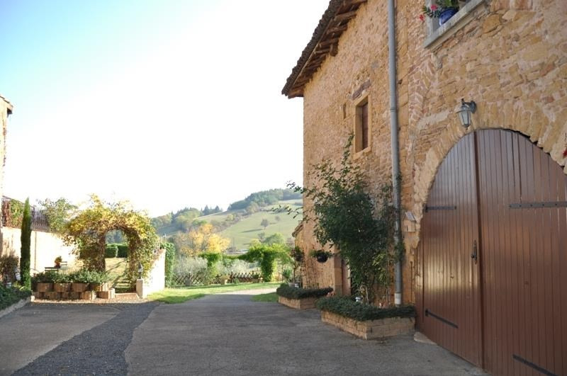 Sale house / villa Ville sur jarnioux 265000€ - Picture 2