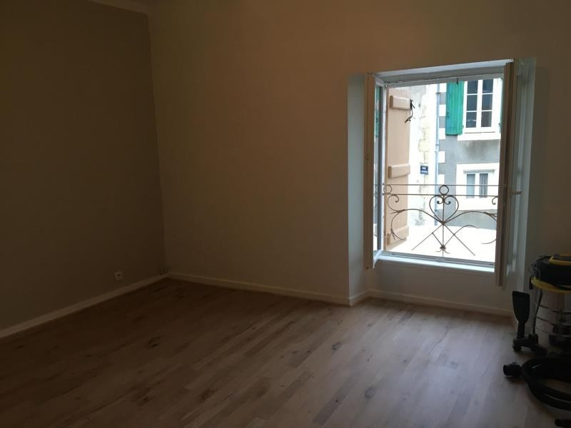 Location maison / villa La mothe st heray 600€ CC - Photo 4