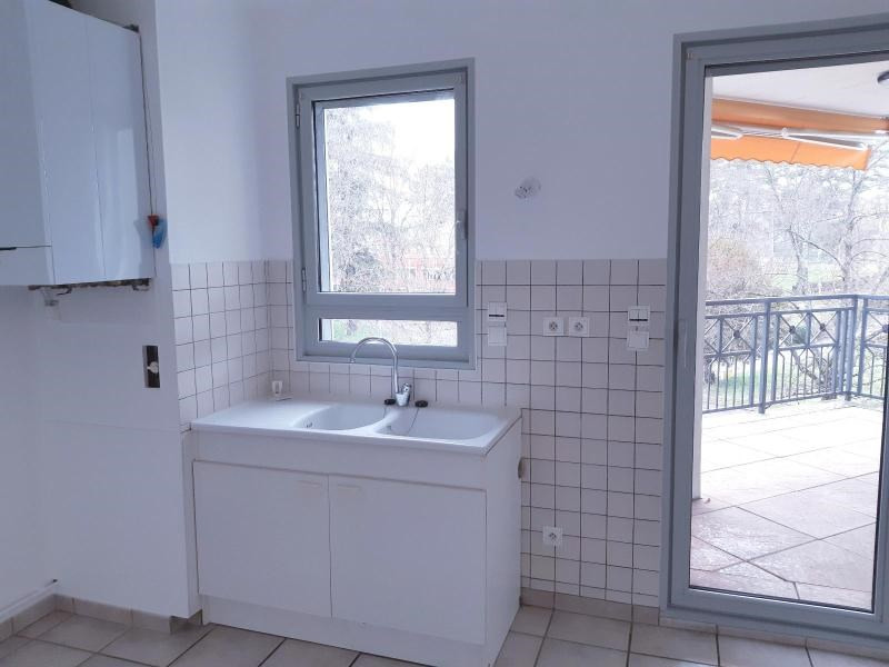 Location appartement Villefranche 730€ CC - Photo 3