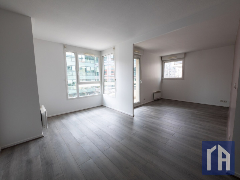 Sale apartment Saint-ouen 270000€ - Picture 1