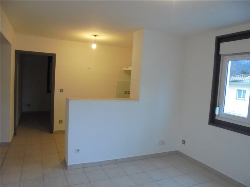 Location appartement Cluses 650€ CC - Photo 2