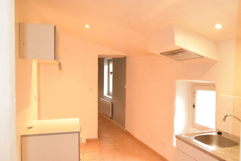 Location appartement Eygalieres 605€ CC - Photo 2