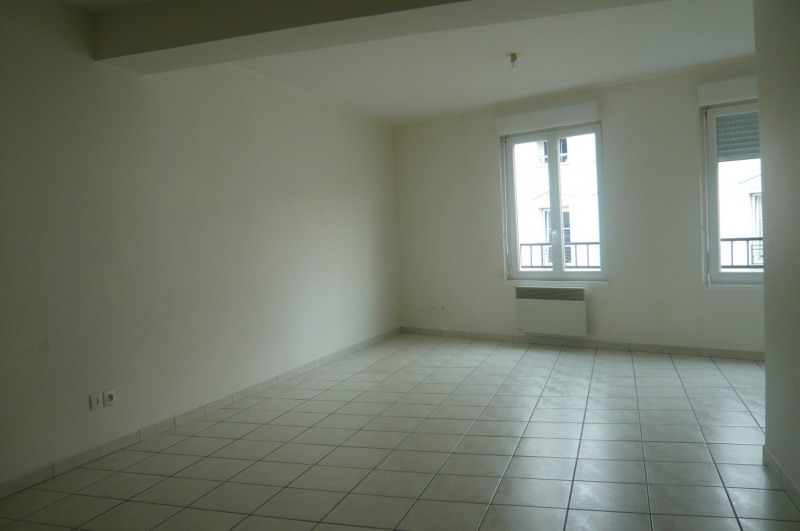 Rental apartment Châlons-en-champagne 470€ CC - Picture 2