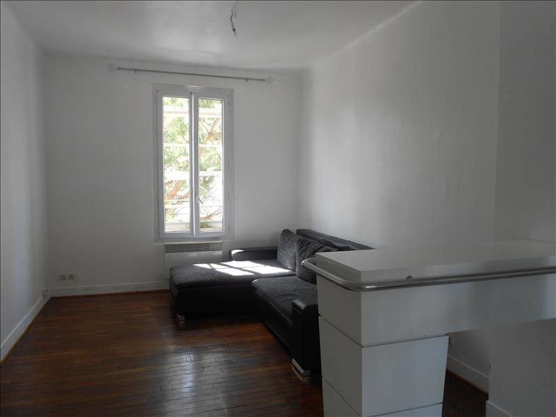 Rental apartment Suresnes 700€ CC - Picture 1