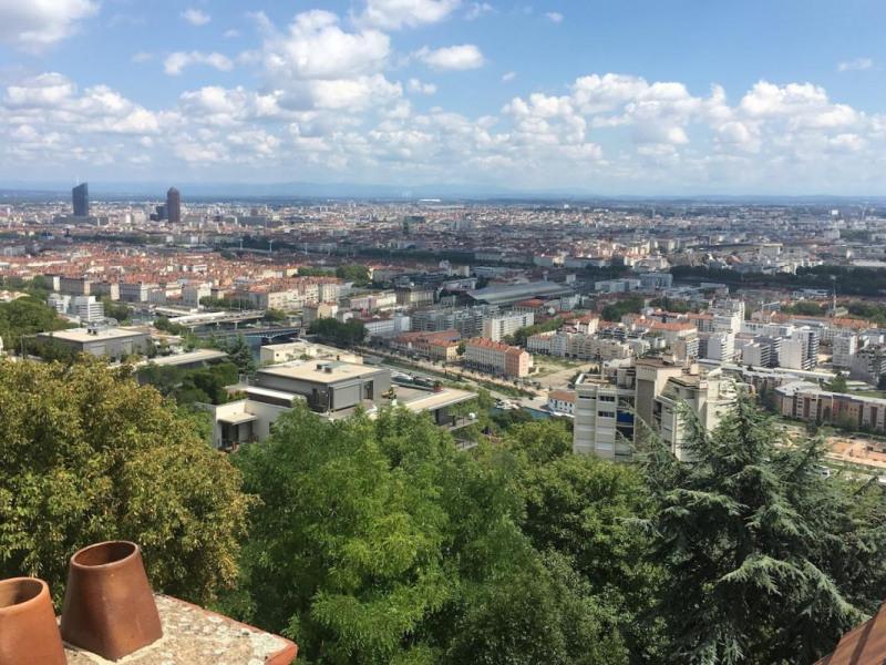 Appartement Vue sur Lyon - 75 m² - 2 ch