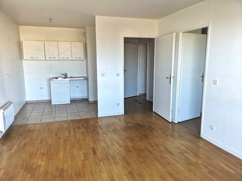 Location appartement Saint ouen l aumone 763€ CC - Photo 2