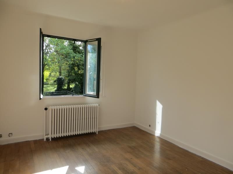 Location maison / villa Francheville 1 350€ CC - Photo 5