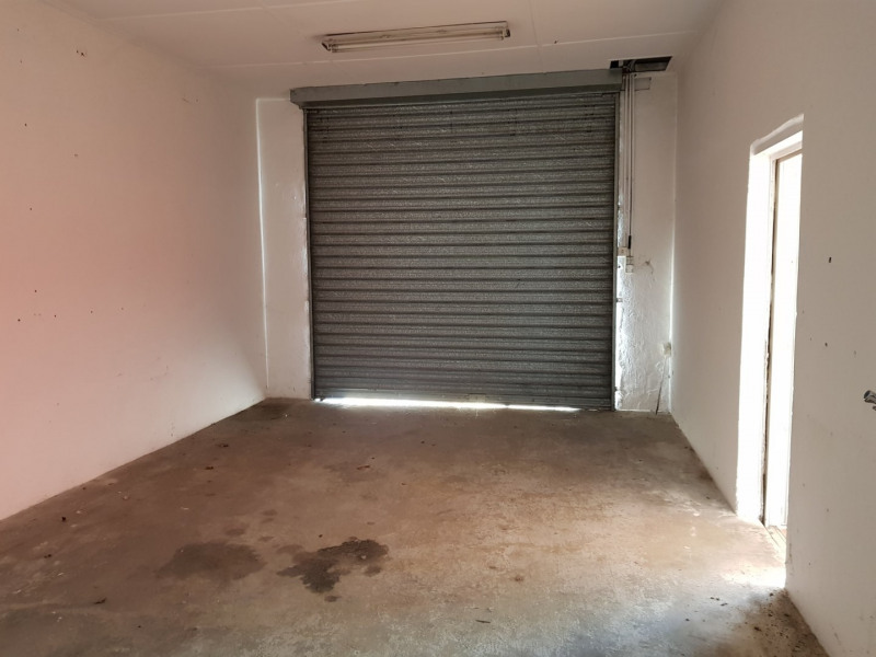 Location local commercial Bon encontre 1 500€ HT/HC - Photo 5