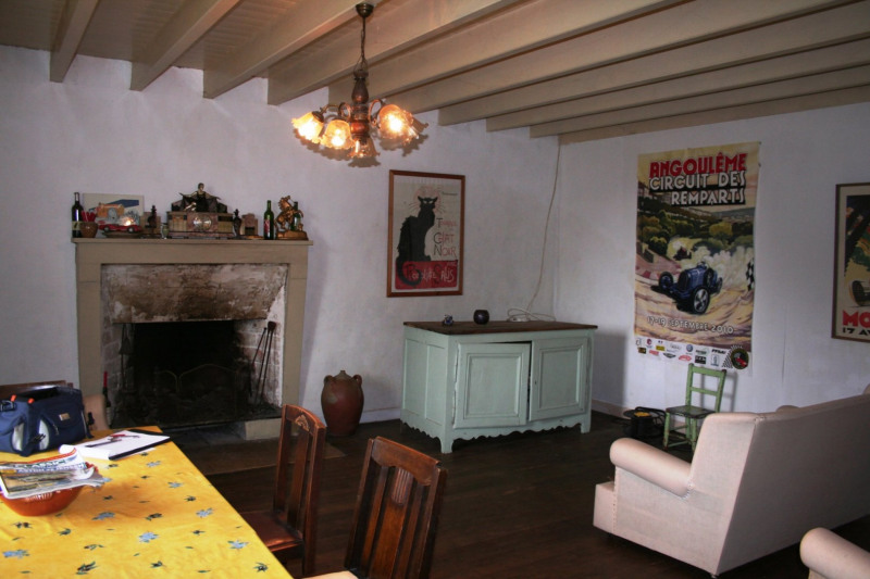 Vente maison / villa Chef-boutonne 60500€ - Photo 3