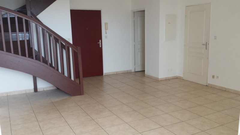Location appartement St denis 1 380€ CC - Photo 3