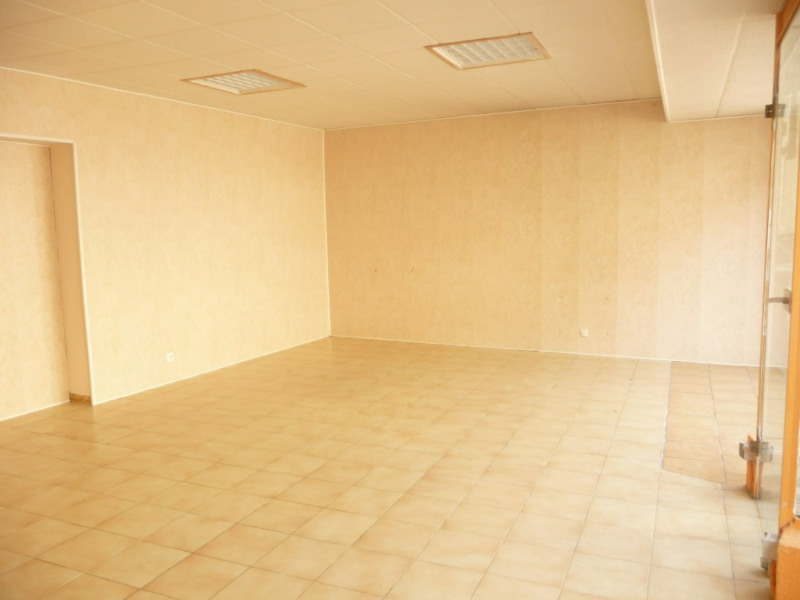 Rental empty room/storage Chateau renault 350€ CC - Picture 4