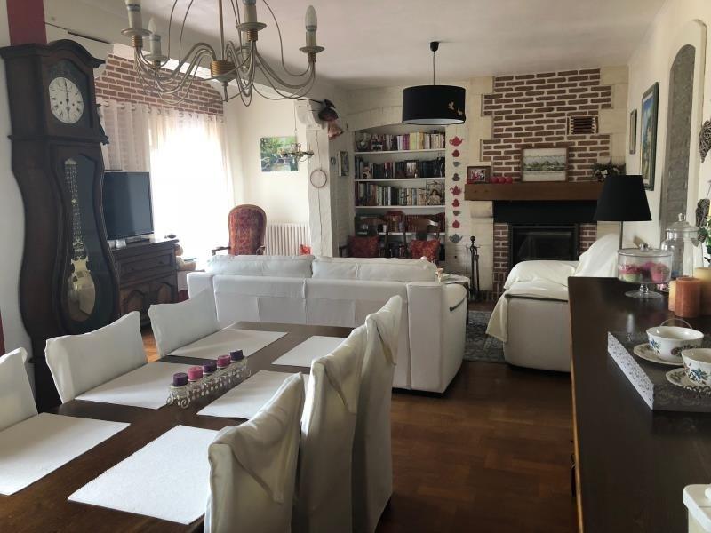 Sale house / villa St clair sur epte 242200€ - Picture 2