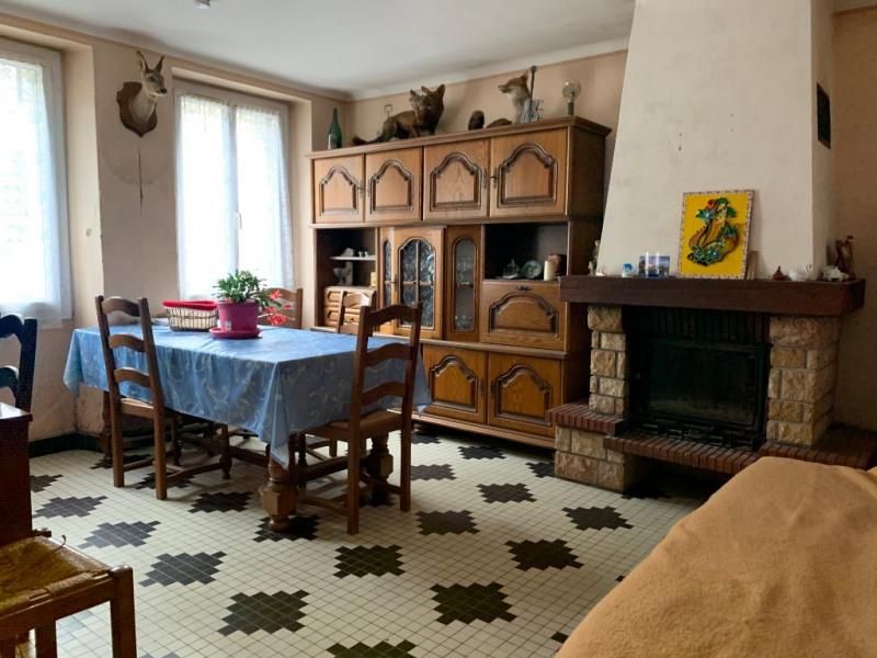 Sale house / villa Le puiset dore 75700€ - Picture 2