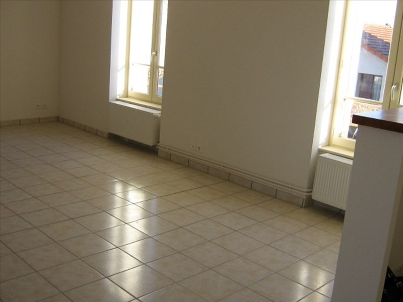 Rental apartment Roanne 572€ CC - Picture 2