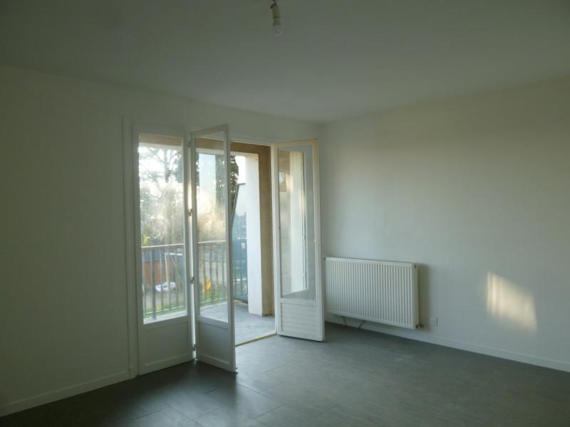 Location appartement Saint-genis-laval 1495€ CC - Photo 5