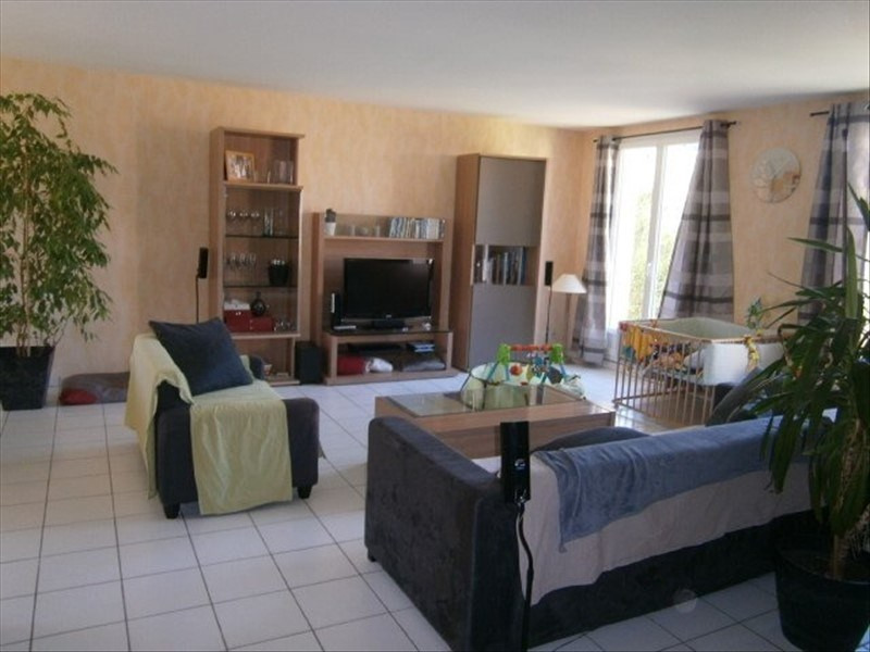 Location maison / villa Condat-sur-vienne 931€ CC - Photo 3