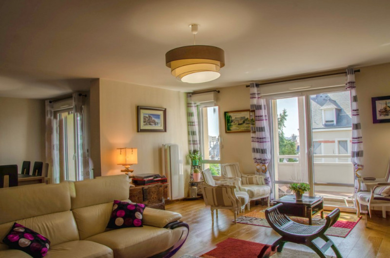 Deluxe sale apartment Dinard 639 600€ - Picture 2