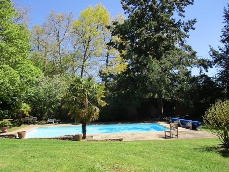 Deluxe sale house / villa Riorges 760000€ - Picture 3