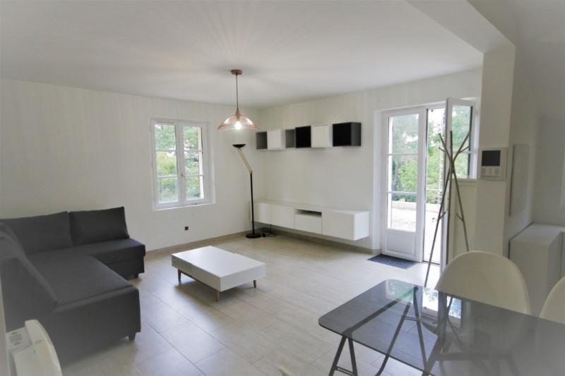 Rental apartment Meyrargues 750€ CC - Picture 1