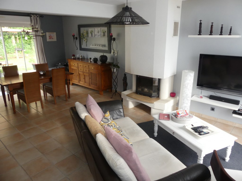 Sale house / villa Saint clement de la place 237 600€ - Picture 2