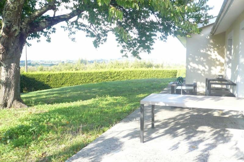 Location maison / villa St andre de cubzac 870€ CC - Photo 2