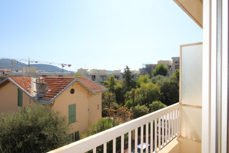 Sale apartment Nice 159 000€ - Picture 2