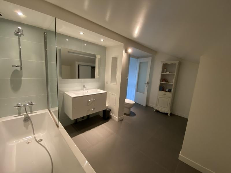 Sale house / villa Crolles 490000€ - Picture 9