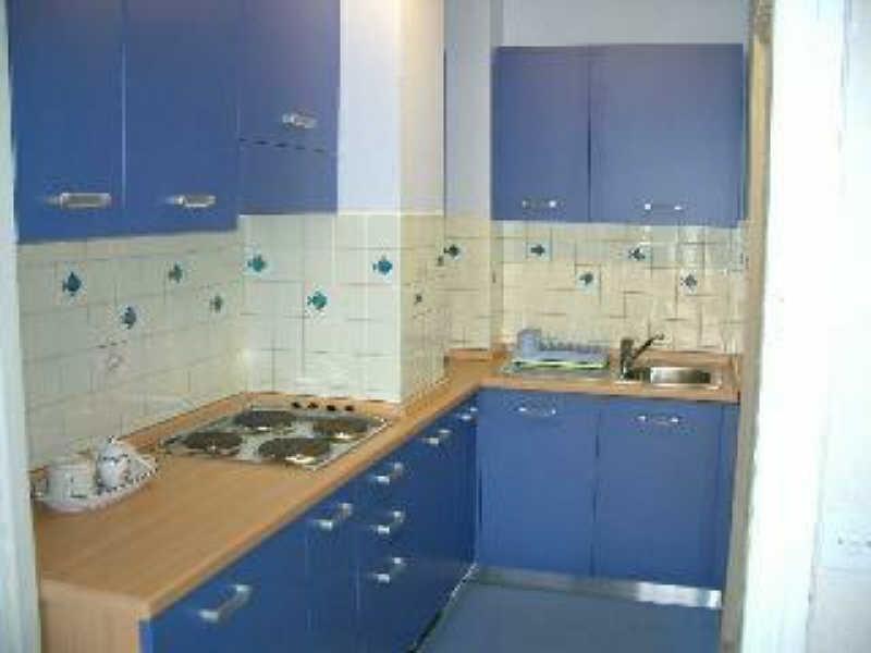 Location appartement Menton 499€ CC - Photo 2