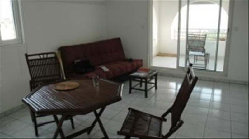 Life annuity apartment St pierre 111 000€ - Picture 1