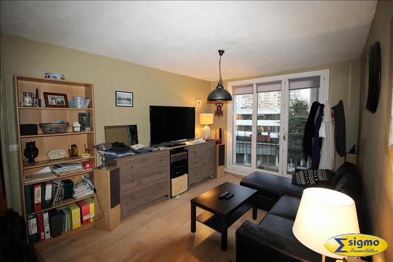 Sale apartment Chatou 200000€ - Picture 1