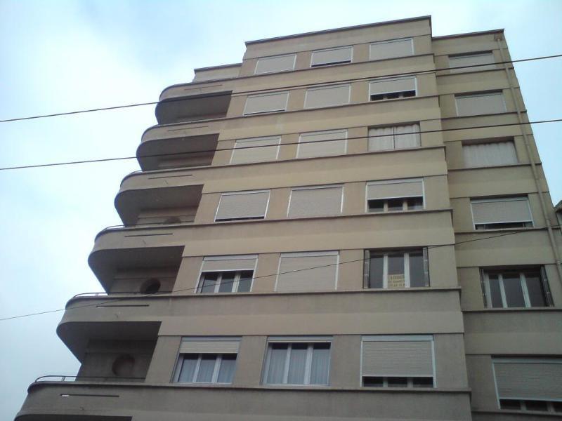 Rental apartment Lyon 8ème 795€ CC - Picture 1