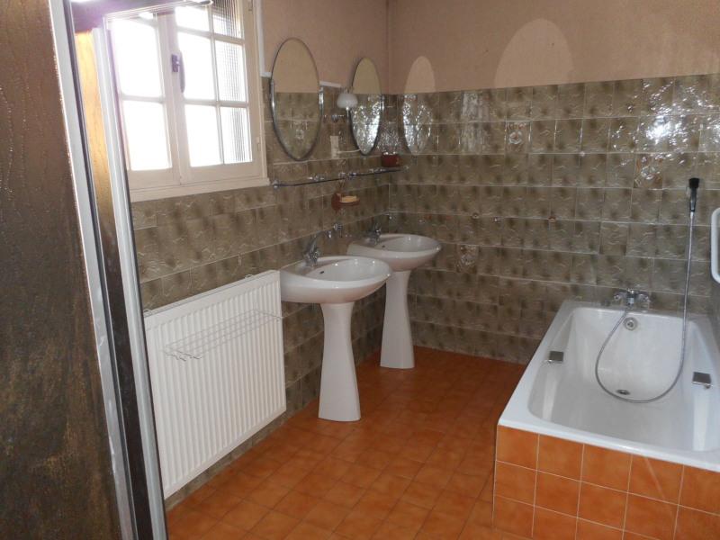 Vente maison / villa Lons-le-saunier 160000€ - Photo 4