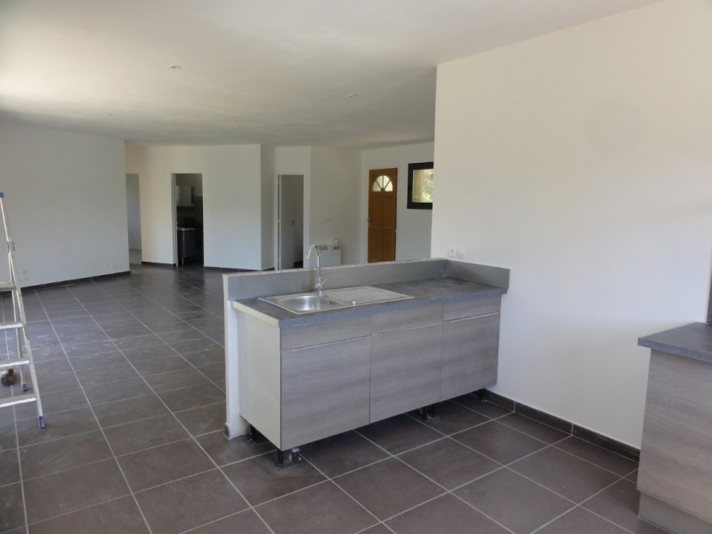 Rental house / villa Signes 1180€ CC - Picture 4