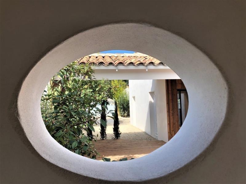 Deluxe sale house / villa La flotte 997500€ - Picture 2