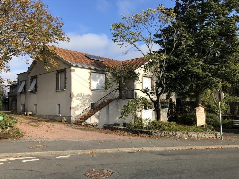 Vente maison / villa Roussay 153900€ - Photo 1