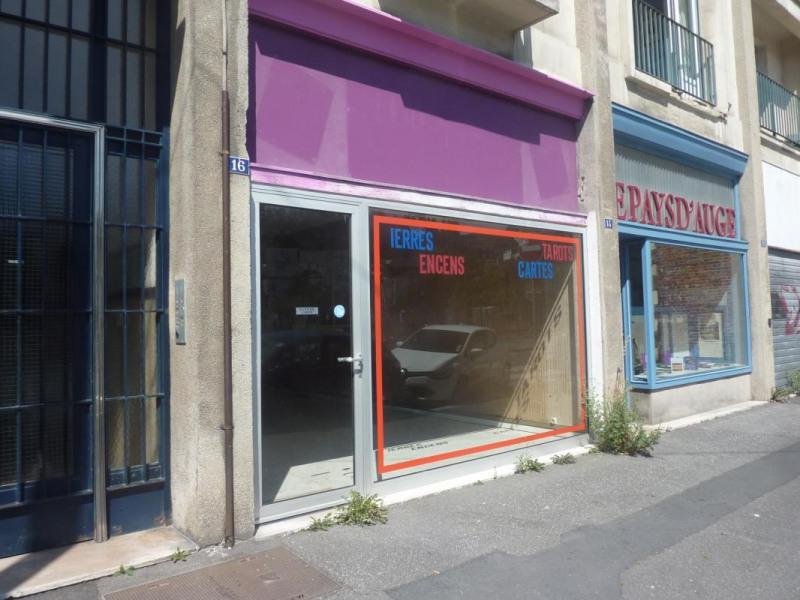 Local d'env. 50 m² Lisieux