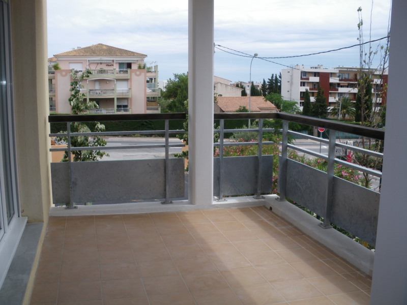 Rental apartment Fréjus 1030€ CC - Picture 5