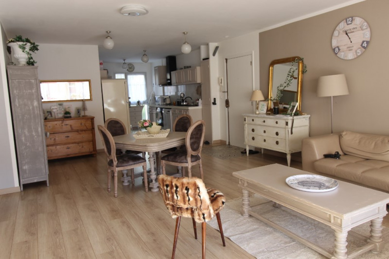 Vente appartement Hyeres 393 700€ - Photo 1