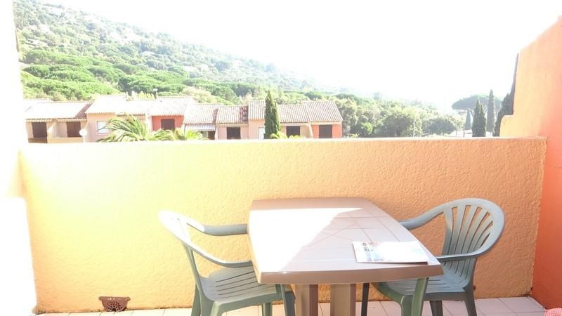 Vacation rental apartment Cavalaire 300€ - Picture 7