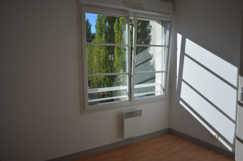 Sale apartment La rochelle 144 000€ - Picture 1