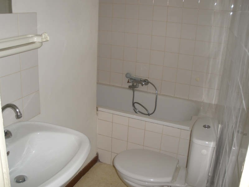 Rental apartment Salon de provence 367€ CC - Picture 4