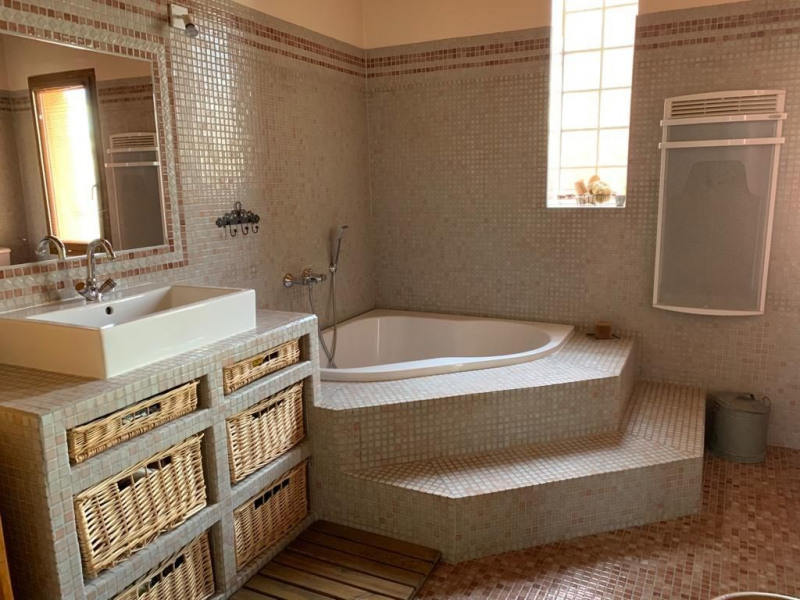Sale house / villa Vauvert 437000€ - Picture 11