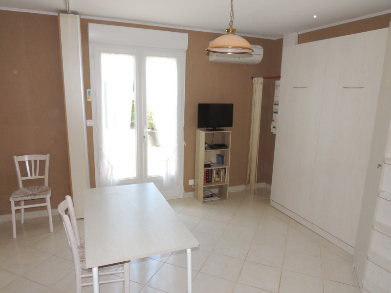 Location vacances maison / villa Meschers 325€ - Photo 3