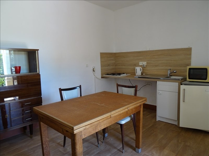 Location appartement Riorges 300€ CC - Photo 2
