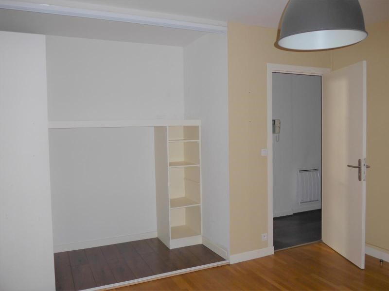 Location appartement Caluire 700€ CC - Photo 2